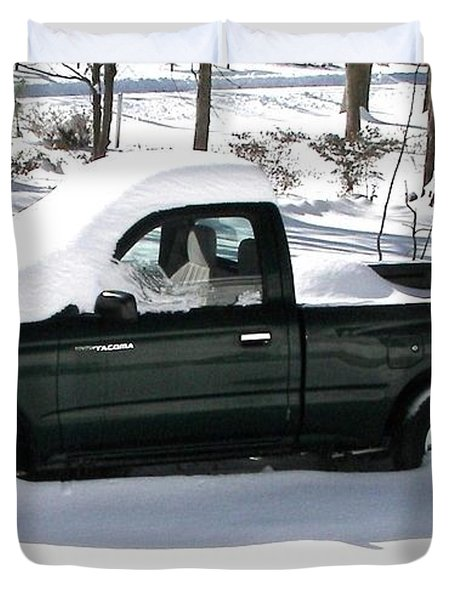 Duvet Cover featuring the photograph Pickup In The Snow by Pamela Hyde Wilson