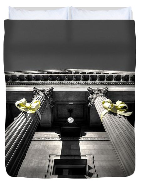 Duvet Cover featuring the photograph Pillard by David Andersen