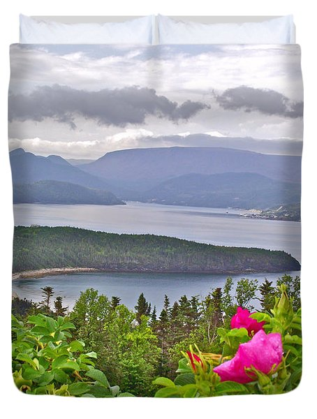 Pink Wild Rose At Photographer's Point In Gros Morne Np-nl Duvet Cover