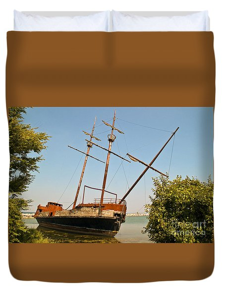 Pirate Ship Or Sailing Ship Duvet Cover by Sue Smith