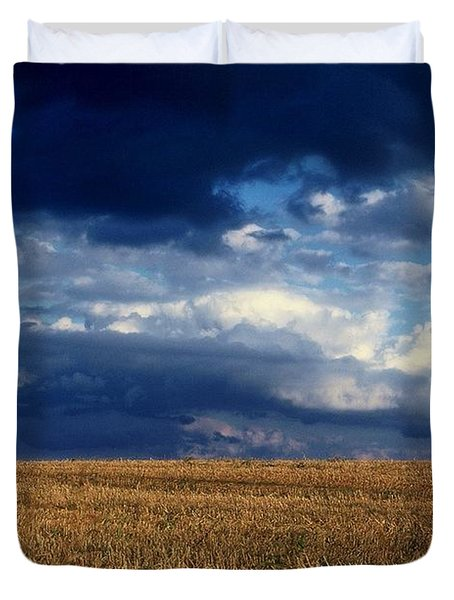 Duvet Cover featuring the photograph Plain Sky by Rodney Lee Williams