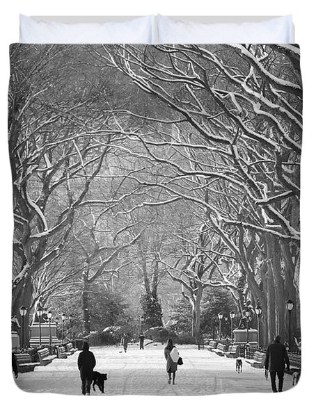 New York City - Poets Walk Winter Duvet Cover
