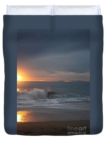 Point Mugu 1-9-10 Sun Setting With Surf Duvet Cover