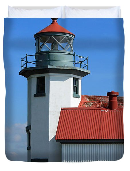 Duvet Cover featuring the photograph Point Robinson Light House by E Faithe Lester