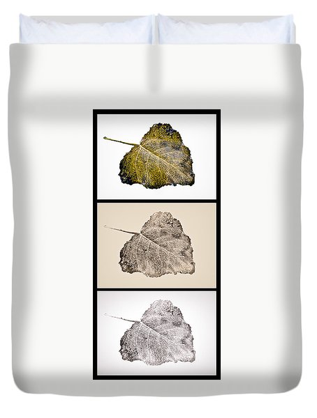 Duvet Cover featuring the photograph Poplar Leaf 3xt Vertical-blkborder by Greg Jackson