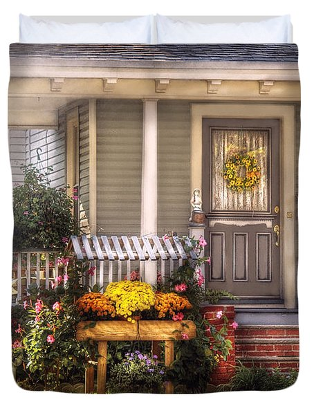 Porch - Westfield Nj - The House Of An Angel Duvet Cover by Mike Savad