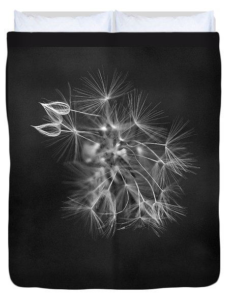 Portrait Of A Dandelion Duvet Cover