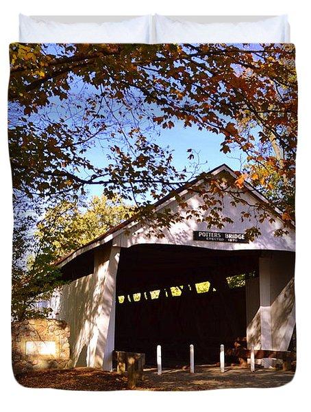Potter's Bridge In Fall Duvet Cover