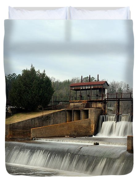 Duvet Cover featuring the photograph Prattville Dam Prattville Alabama by Charles Beeler