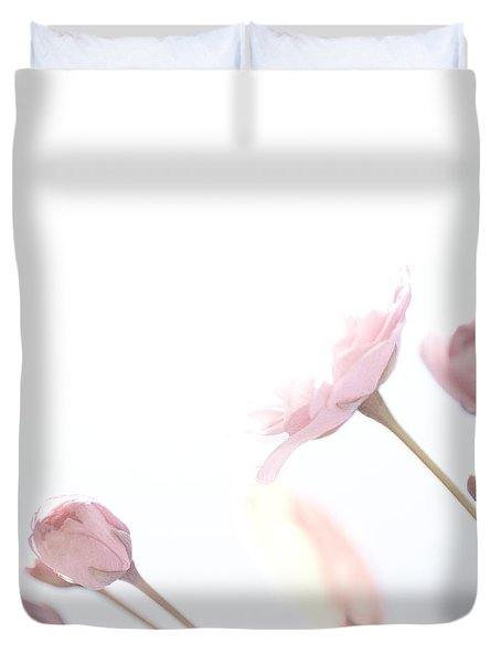Duvet Cover featuring the photograph Pretty In Pink - The Dreamer by Lisa Parrish