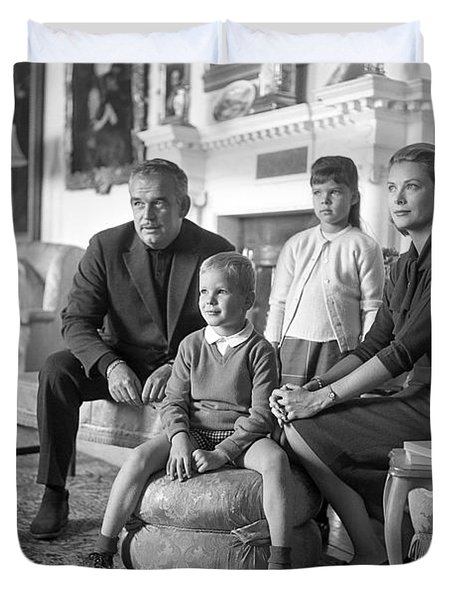 Princess Grace Of Monaco And Family In Ireland Duvet Cover by Irish Photo Archive