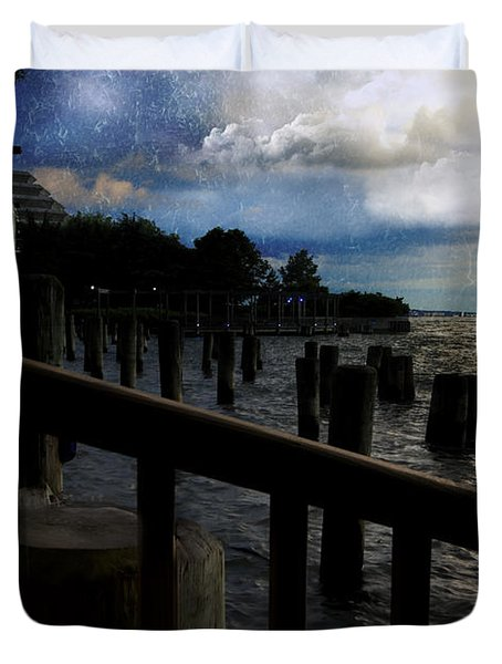 Promenade At The Hudson River New York City Duvet Cover