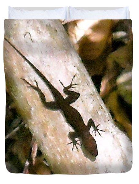 Puerto Rico Lizard Duvet Cover by Daniel Sheldon