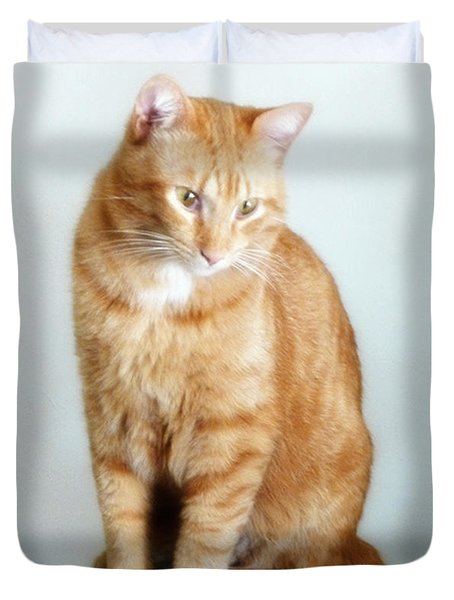 Quo The Poser - Photograph By Rgiada Duvet Cover