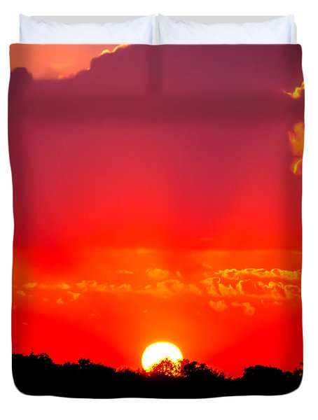 Duvet Cover featuring the photograph Radiant Sunset by Dee Dee  Whittle