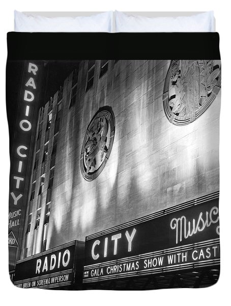Radio City Music Hall Marquee Duvet Cover by Underwood Archives