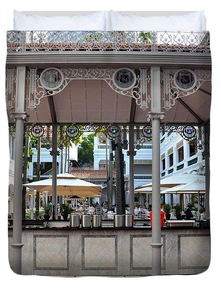 Raffles Hotel Courtyard Bar And Restaurant Singapore Duvet Cover