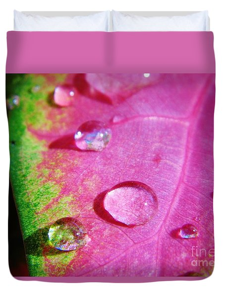 Raindrop On The Leaf Duvet Cover by D Hackett