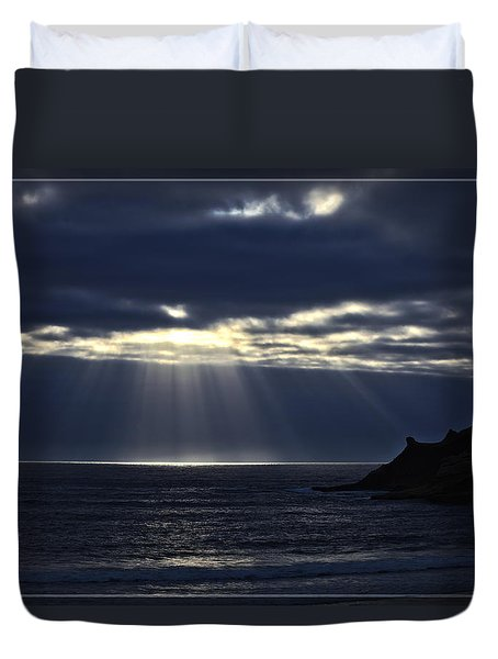 Rays Of Hope At Cape Kiwanda Oregon Duvet Cover