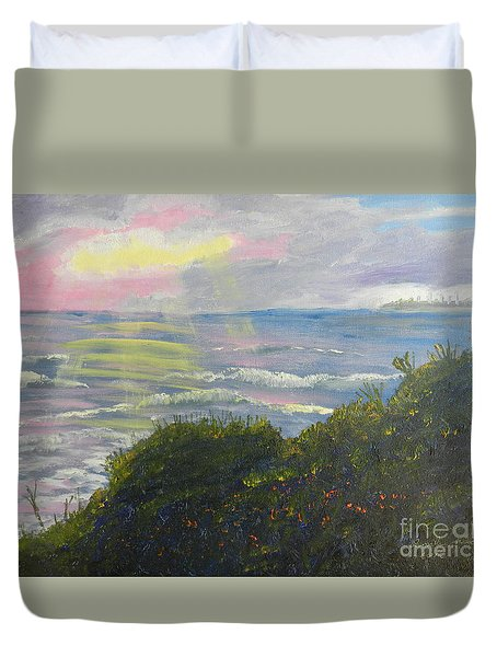 Rays Of Light At Burliegh Heads Duvet Cover by Pamela  Meredith