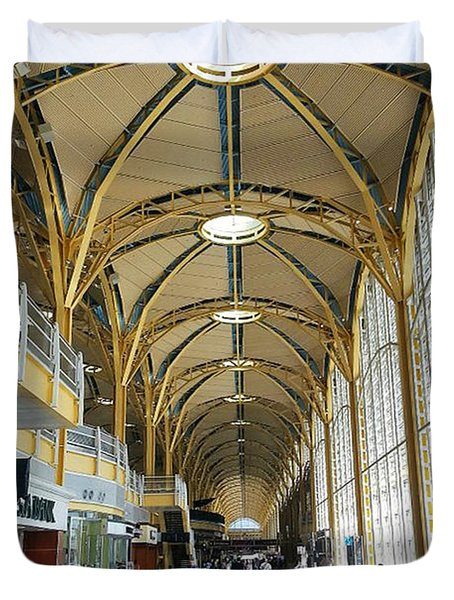 Duvet Cover featuring the photograph Reagan National Airport by Suzanne Stout