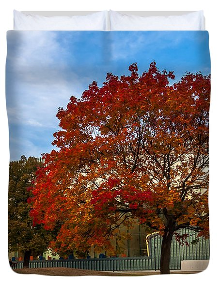 Red And Yellow Tree At The Front Of The Museum Of The History Of Polish Jews In Warsaw Duvet Cover