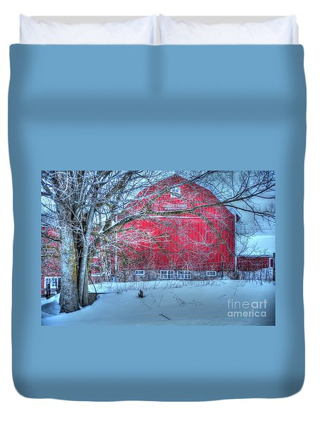 Red Barn In Winter Duvet Cover by Terri Gostola