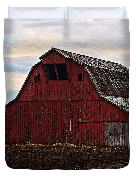 Red Barn Photoart Duvet Cover by Debbie Portwood