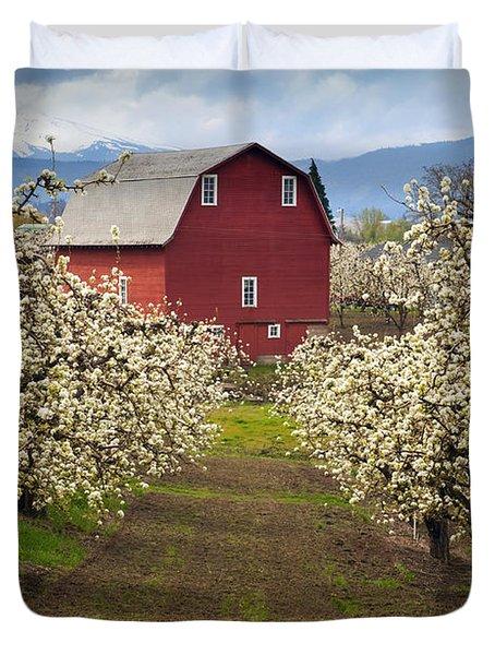 Red Barn Spring Duvet Cover