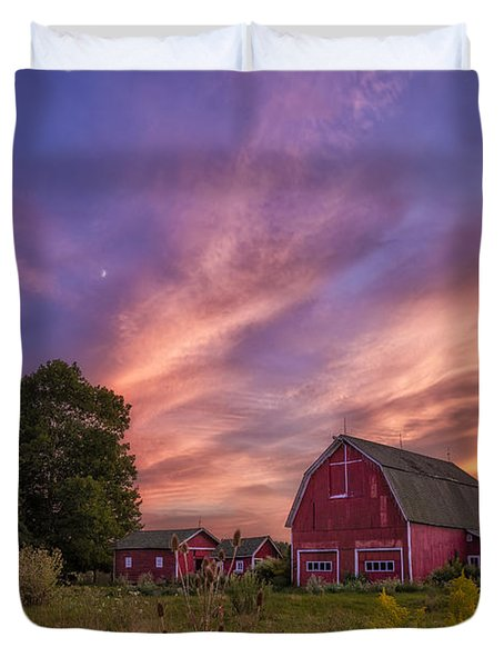 Red Barn Sunset 2 Duvet Cover