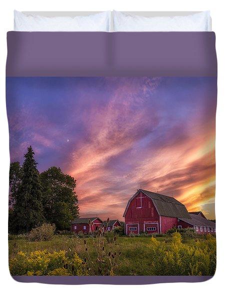 Red Barn Sunset 2 Duvet Cover