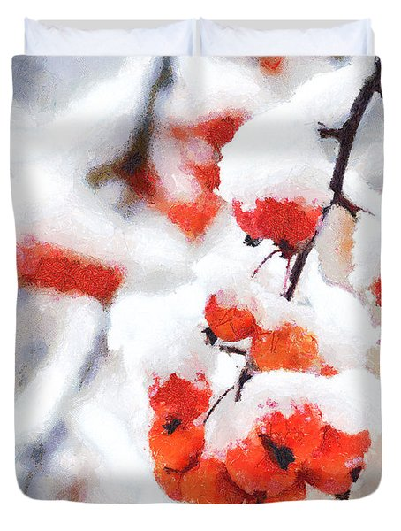 Red Crabapples In The Winter Snow - A Digital Painting By D Perry Lawrence Duvet Cover