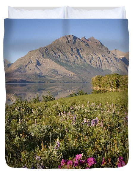 Duvet Cover featuring the photograph Red Eagle Mountain by Jack Bell