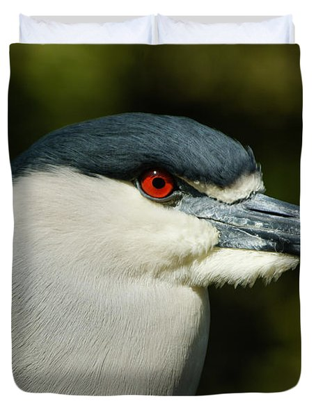 Duvet Cover featuring the photograph Red Eye - Black-crowned Night Heron Portrait by Georgia Mizuleva
