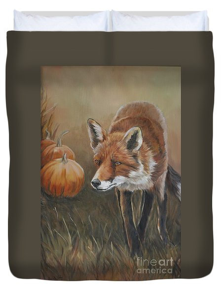 Red Fox With Pumpkins Duvet Cover