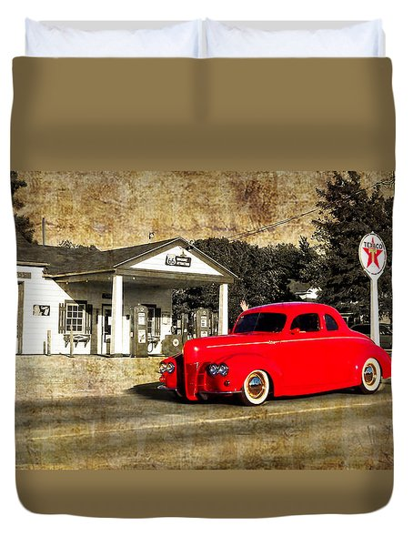 Red Hot Rod Cruising Route 66 Duvet Cover by Thomas Woolworth