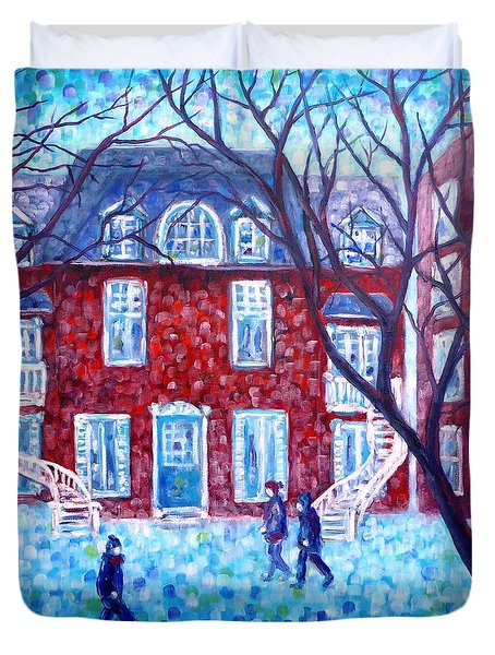 Red House In Montreal - Cityscape Duvet Cover