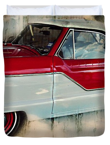 Red Mini Nash Vintage Car Duvet Cover by Peggy Franz