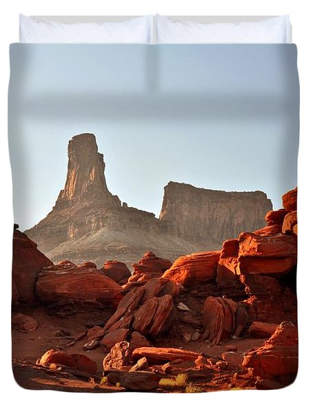 Red Rock And Spire Duvet Cover by Marty Koch