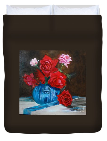 Duvet Cover featuring the painting Red Roses And Blue Vase by Jenny Lee