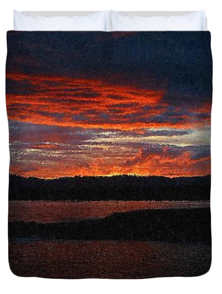 Red Sky At Night Duvet Cover by Bruce Nutting