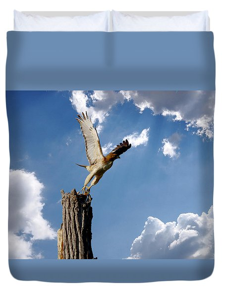 Red-tailed Hawk Perch Series 5 Duvet Cover by Roy Williams