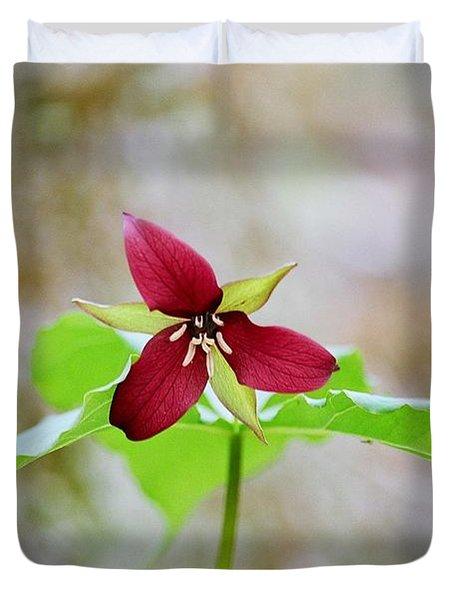 Red Trillium Duvet Cover