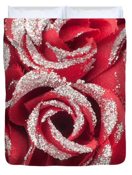 Duvet Cover featuring the photograph Red Valentines Day Roses by Gunter Nezhoda