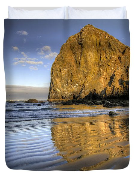 Reflection Of Haystack Rock At Cannon Beach 2 Duvet Cover