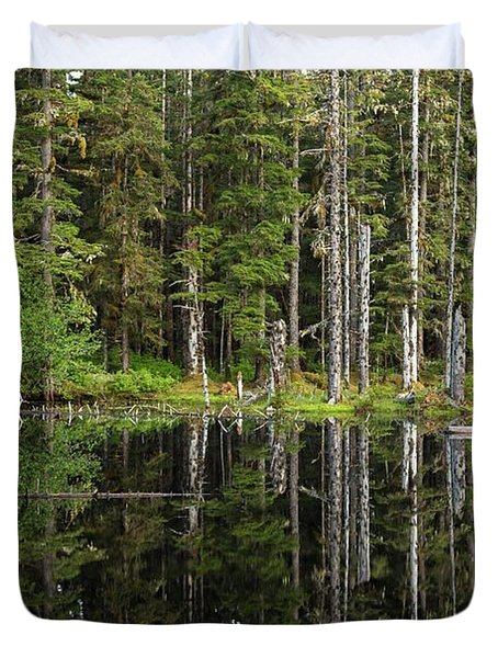 Reflection Of Trees In Kettle Pond Duvet Cover