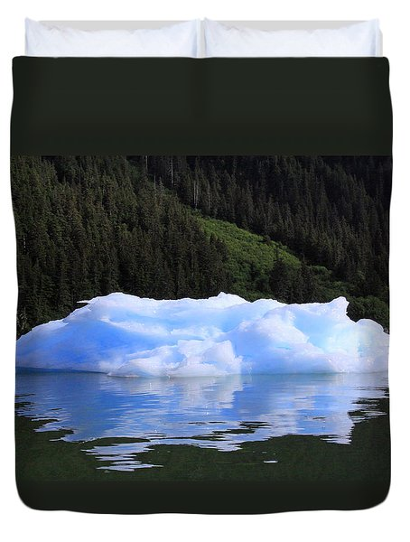 Reflections In The Sea Duvet Cover by Shoal Hollingsworth