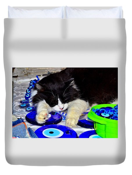 Duvet Cover featuring the photograph Resting At Work by Zafer Gurel