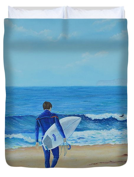 Duvet Cover featuring the painting Returning To The Waves by Mary Scott