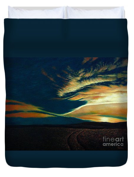 Returning To Tuscarora Mountain Duvet Cover by Christopher Shellhammer